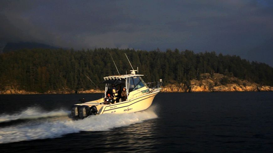 Our 30 foot fishing boat returning from a Howe Sound Fishing Charter